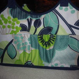 Thirtyone tote with pockets